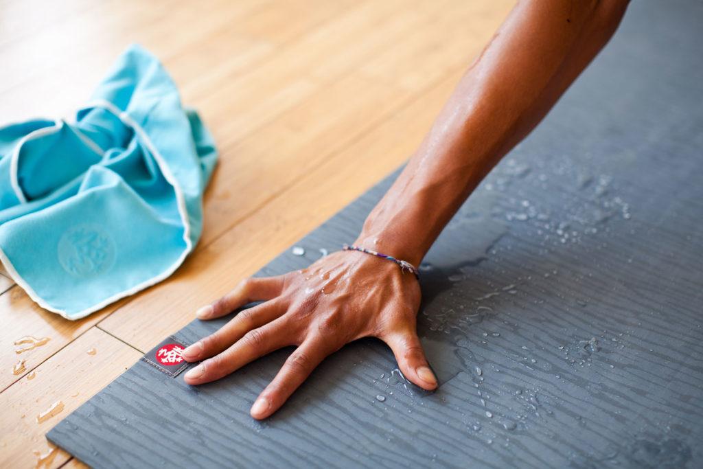 clean-yoga-mat-1024x683.jpg