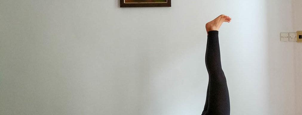 Mẹo hay tập tư thế yoga Đứng trên vai [Sarvangasana] dễ dàng